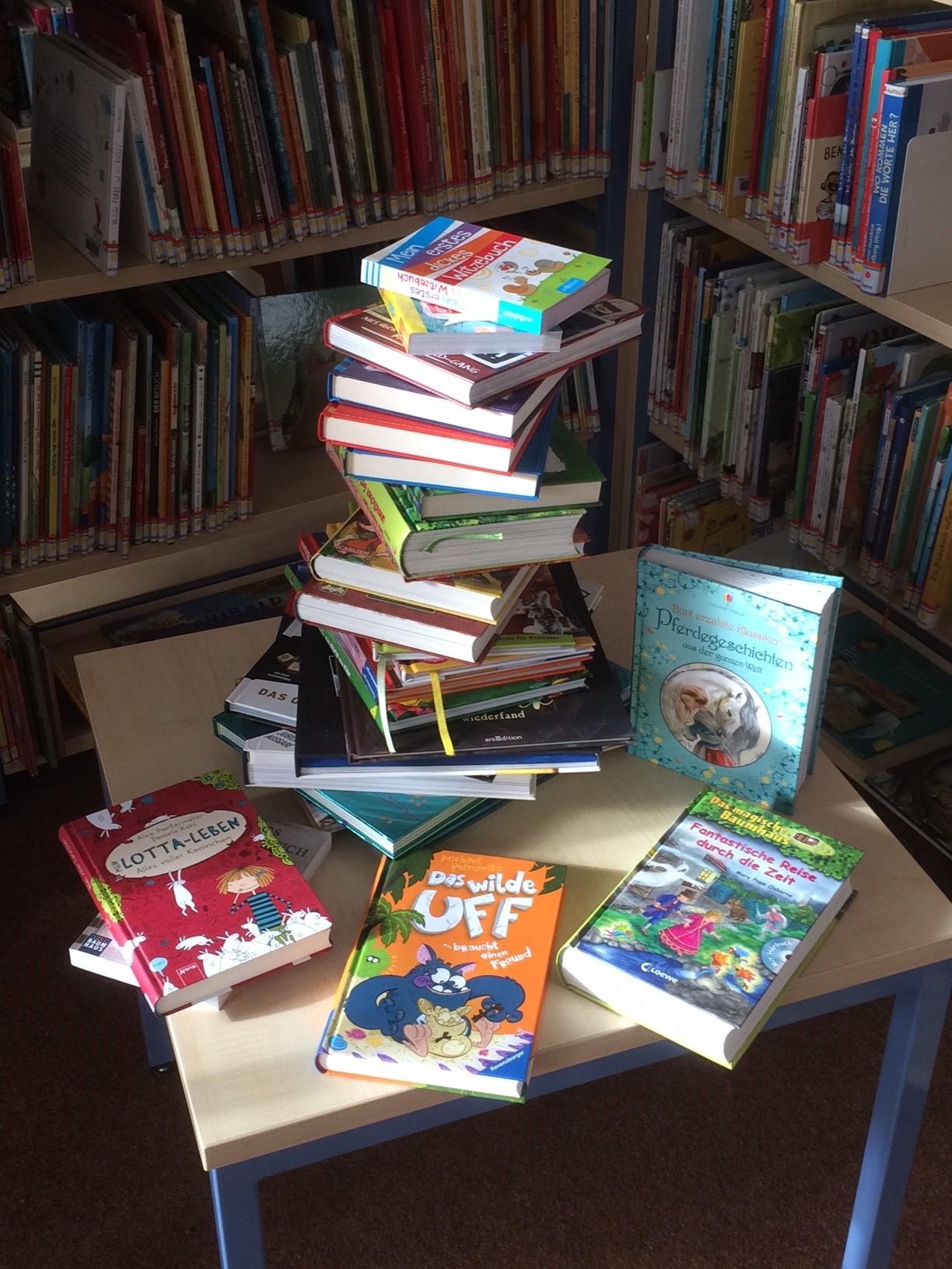 Leseratten Bücherstapel